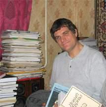 Автор статьи, хранитель русских коллекций Гуверовского института войны, революции и мира Анатолий Шмелев
